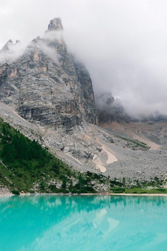 trek dans les dolomites avec guide de randonnée